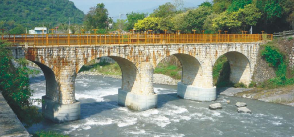 三級古蹟—打石糯米橋