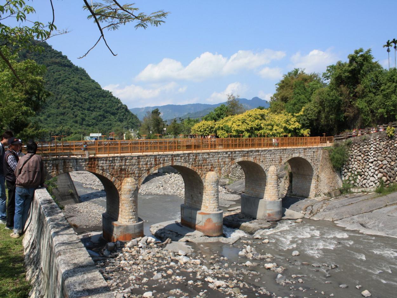 國姓鄉北港溪石橋(糯米橋)