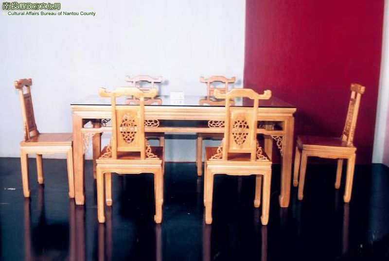 膠合竹桌椅組